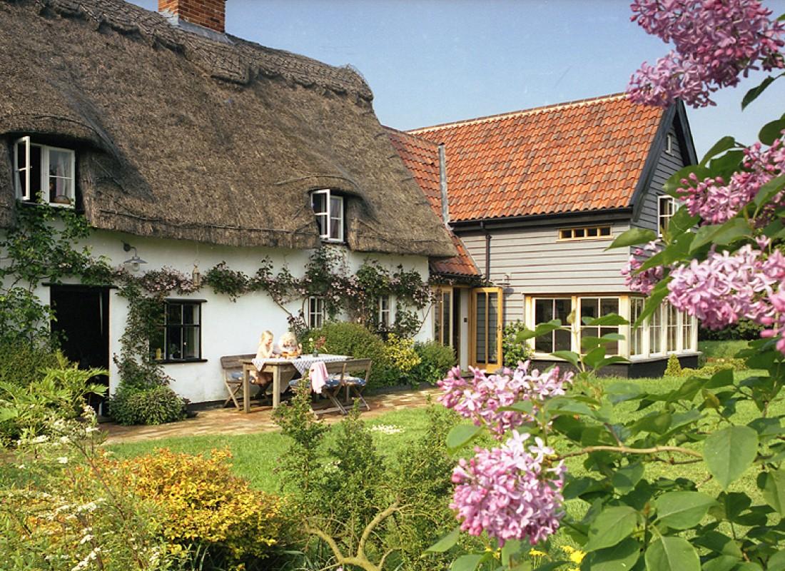 Thatched cottage / Norfolk/ Photography Nigel Noyes